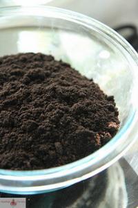 Shilajit Powder in class bowl