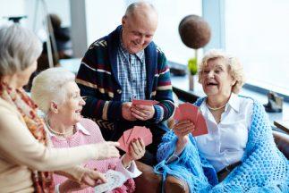 Health Benefits of Korean Ginseng - Happy senior people